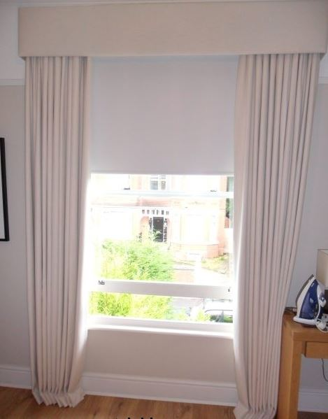 Elegant straight window curtain pelmet