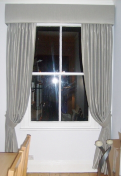 curtain styles with pelmet
