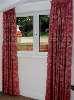 You can hardly notice this neat and discreet curtain track.