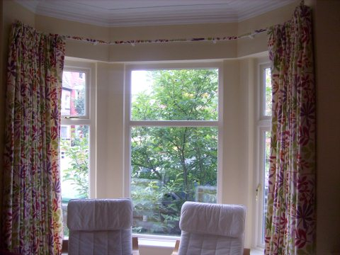 bay window curtain rail