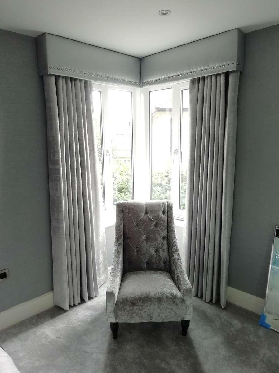 corner bay pelmet and curtains